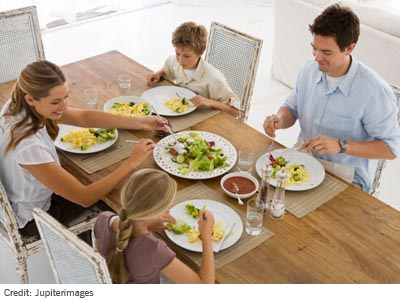 Some-Helpful-Tips-to-Teach-your-Kids-Healthy-Eating-Habits