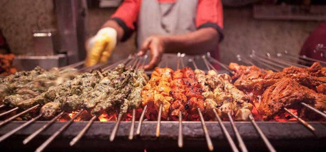 delhi-to-ban-display-of-non-veg-food-outside-eateries-over-sentimental-reasons-1400x653-1514456367_1100x513