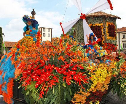 discovering-madeira-imageLinkflower-festival-car-parade-1280x720