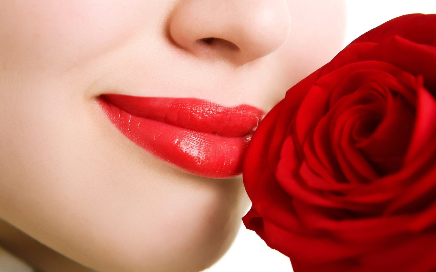 red-rose-flower-and-lips-wallpaper-1500x938
