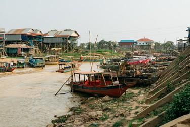 gctp0023-navarro-cambodia-siam-reap-cambodia-vietnamese-floating-village-24