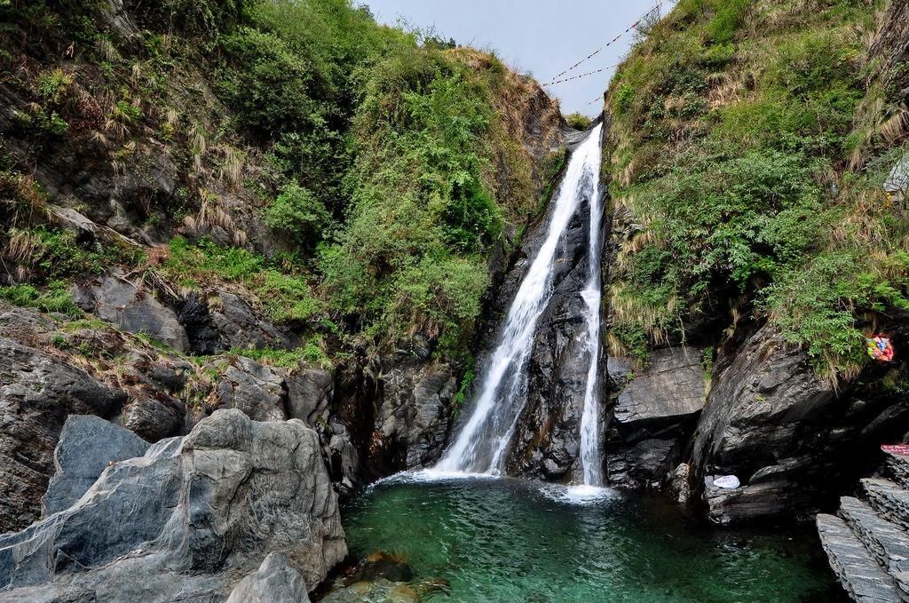 dharamshala-bhagsu-falls-flickr