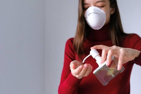 Coronavirus-Pandemic-ITC-Limited-launches-savlon-hand-sanitizer-sachet-at-50-paise