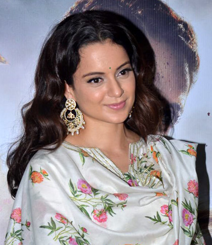 Kangana_Ranaut_graces_the_special_screening_of_Manikarnika_–_The_Queen_Of_Jhansi_at_Sunny_Super_Sound_in_Juhu_(16)